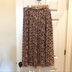 Worthington Pleated Floral Print skirt 18